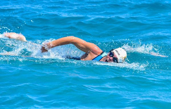 66 yaşındaki yüzücüden, Cumhuriyet'in 100'üncü yılı için rekor denemesi