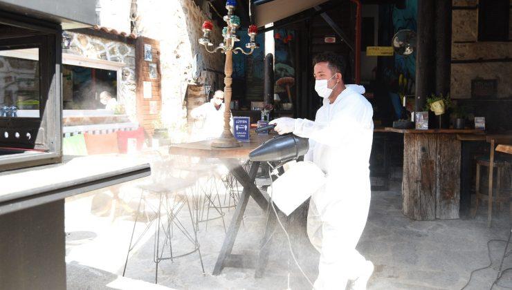 Açılış günü kafe ve restoranlar dezenfekte edildi