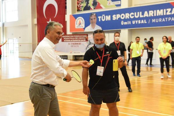 Açılış vuruşu Başkan Uysal'dan