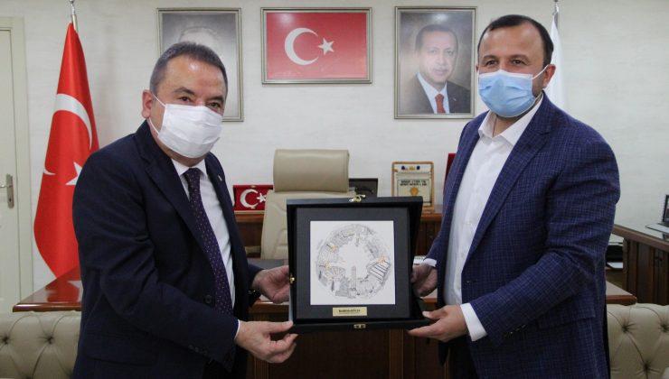 AK Parti, Başkan Böcek'i ağırladı