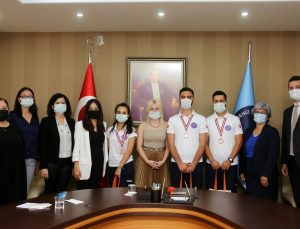 Akdeniz Üniversitesi Paramedik öğrencileri II.Medic Games Ambulans Rallisi'nde üçüncü oldu