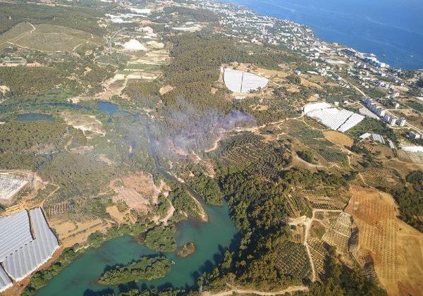 Alanya'da çıkan orman yangını büyümeden söndürüldü