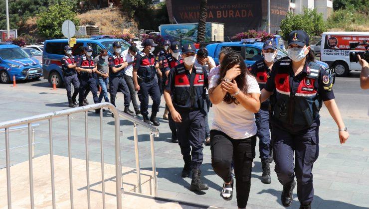 Antalya'da insan tacirlerine operasyonda 6 tutuklama