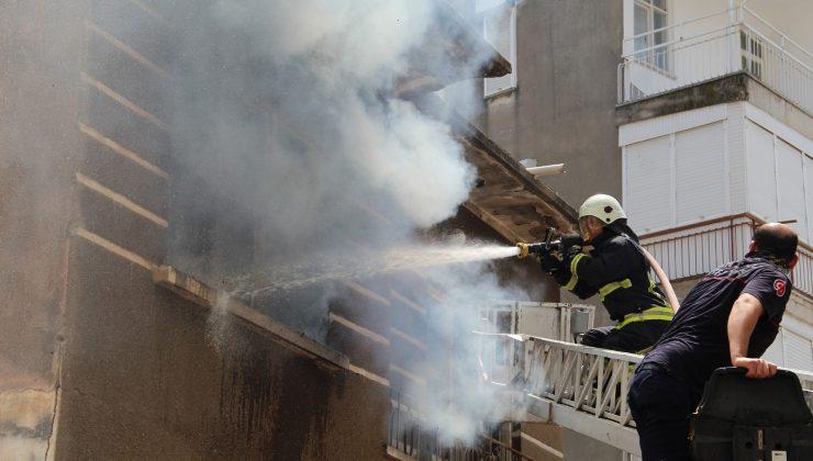 Antalya'da metruk bina bir haftada 3 kez yandı