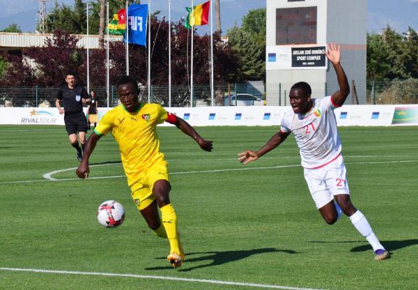 Antalya'da uluslararası futbol turnuvası