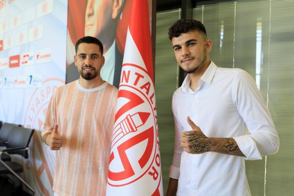 Antalyaspor, Doğukan Nelik ve Ersin Zehir'i renklerine bağladı