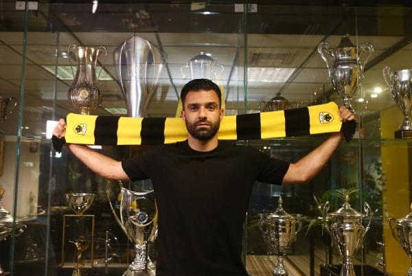 Aytemiz Alanyaspor'un kaptanı Tzavellas, AEK'ya transfer oldu