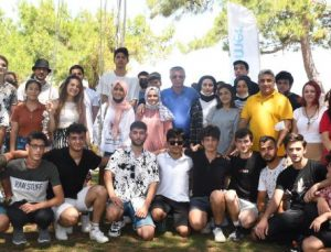 Başkan Topaloğlu öğrencilerle bir araya geldi