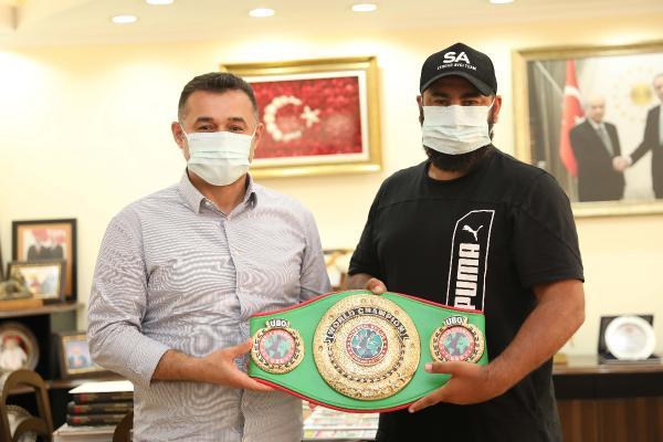 Başkan Yücel, dünya şampiyonu boksör Avcı'yı ağırladı