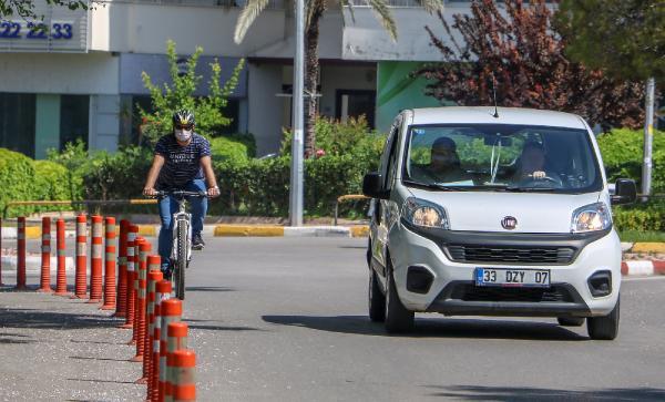 Bisiklet sürücülerinden bisiklet yolu tepkisi