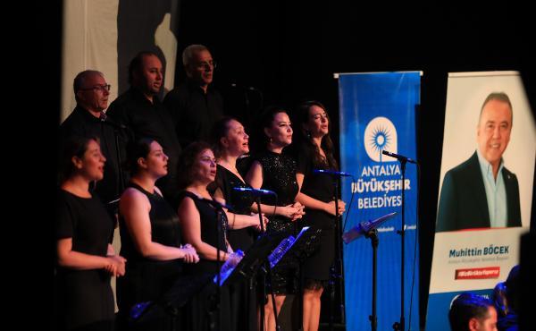 Büyükşehir Belediyesi'nden çevrimiçi türkü konseri