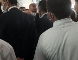 Cumhurbaşkanı Erdoğan, cuma namazını Mecek Camii'nde kıldı