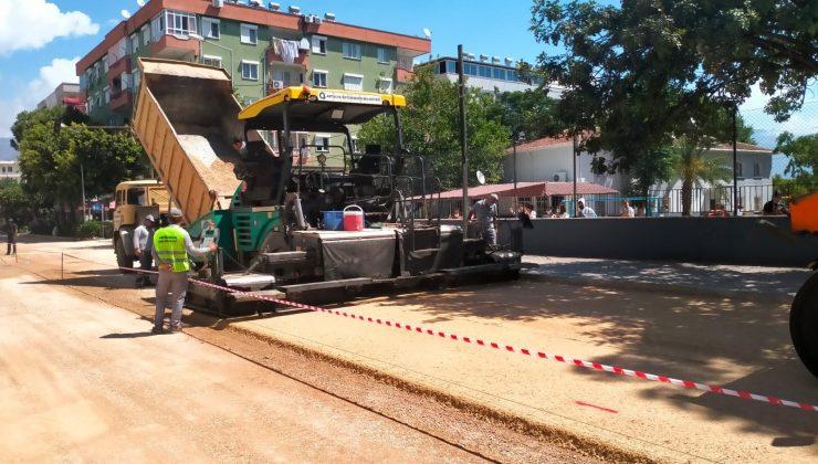 Demre'de önce alt yapı sonra asfalt çalışması