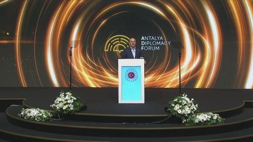"""Dışişleri Bakanı Mevlüt Çavuşoğlu: """"Güney Kafkasya bölgesinin bir istikrar ve barış bölgesi olmasını istiyoruz. Bundan en çok faydalanacak tarafın Ermenistan olduğunu söylüyoruz."""""""