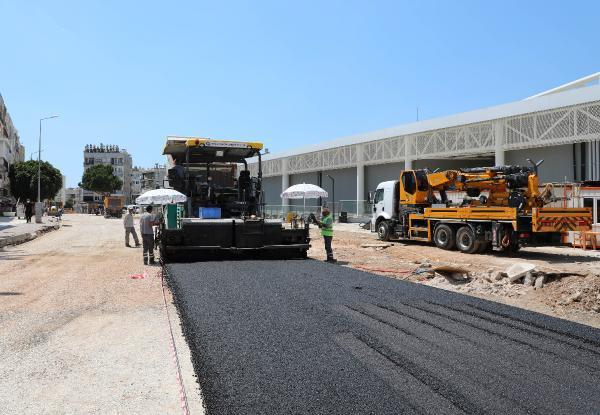 Doğu Garajı'nda sıcak asfalt çalışması