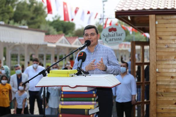 Dokuma Park'a Antalya'nın ilk Sahaflar Çarşısı açıldı
