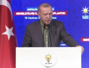 """Erdoğan: """"Yakalanan failin ilişkileri ortaya çıkarılarak en ağır cezayı alacağına inanıyoruz"""""""