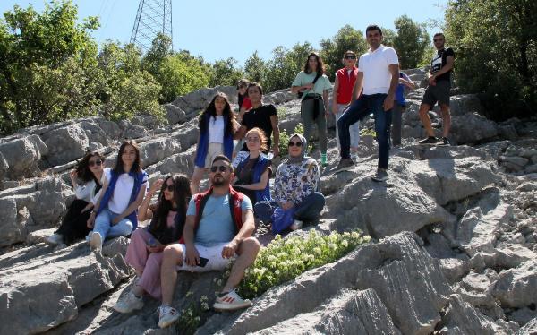 Gençlerden doğa ve tarih gezisi