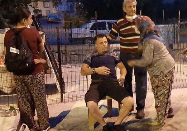 Kavga ettiği eski kayınpederi ve kayınbiraderi tarafından bıçaklandı