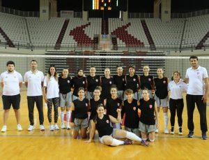 Kepez voleybol A takımı finallerde Antalya'yı temsil etme hakkı kazandı