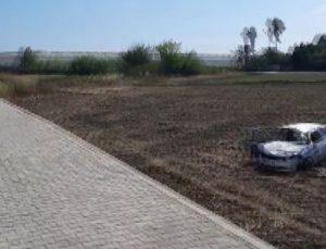 Kontrolden çıkan otomobil takla atarak tarlaya uçtu: 2 yaralı