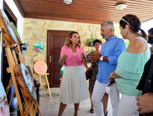 Kosovalı kadın sanatçılar Side'de sergi açtı