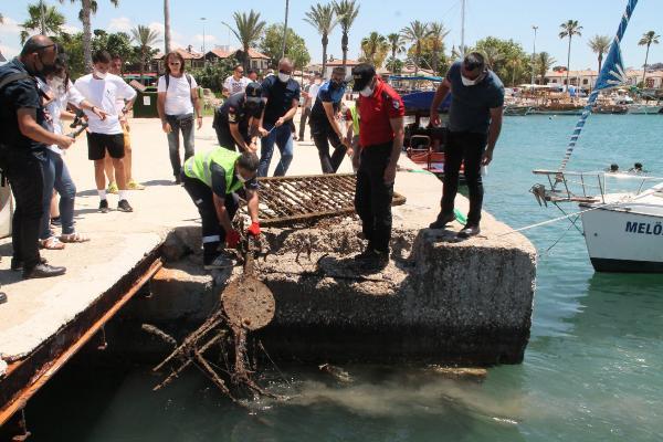 Manavgat'ta deniz dibi temizliği