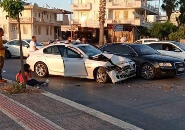 Manavgat'ta kaza: 5 yaralı