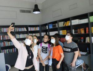 Milletvekili Çokal, TÜBİTAK yarışmasında bölge finaline kalan öğrencilerle bir araya geldi