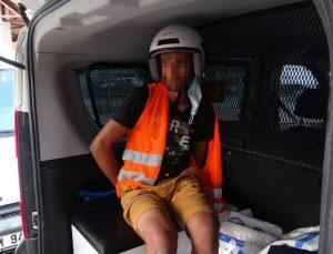 (ÖZEL) Motosikletin üzerinde neye uğradığını anlamadı, yaka paça yakalanıp tutuklandı