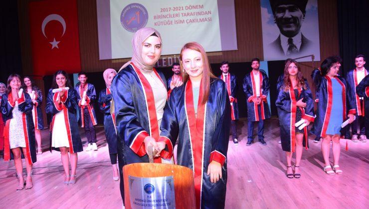 Sağlık Bilimleri Fakültesi ilk mezunlarını verdi