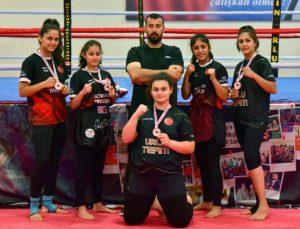 'Şampiyon kızlar'