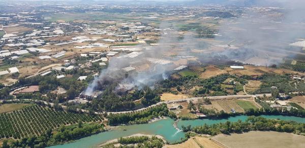 Serik'te 3 noktada orman yangını (2)