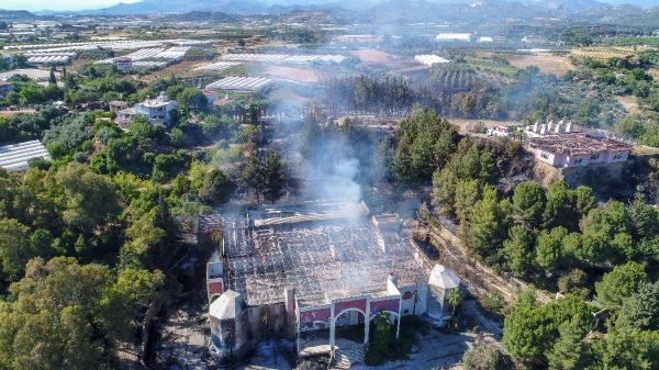 Serik'te 3 noktada orman yangını (3)