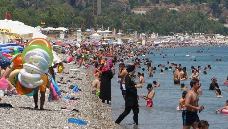 Sınavdan çıkan dünyaca ünlü sahile koştu