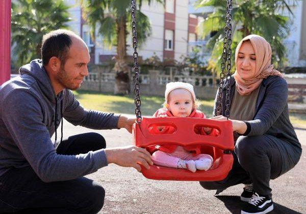 Tedavisi için 2.2 milyon dolar toplanan Asya bebek, umuda uçuyor