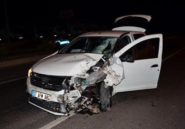 Ters yöndeki motosiklet, otomobille çarpıştı; sürücü öldü