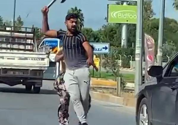Trafikte baltalı- döner bıçaklı tartışma