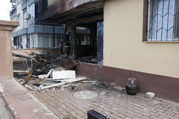 Yanan evdeki patlamalar mahalleliyi sokağa döktü