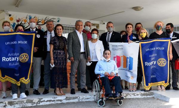 ZİÇEV'in yeni dersliğini Başkan Uysal açtı