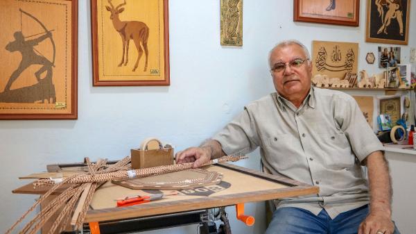 63 yıllık kakma ustası, mesleğin kaybolmasından korkuyor