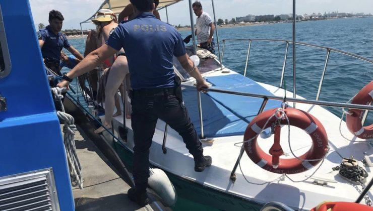Denizde arızalan teknedeki 6 yabancı ve mürettebatı deniz polisi kurtardı