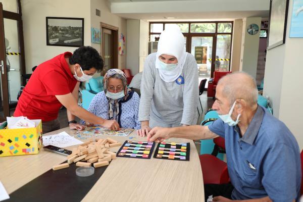 Alzheimer hastalarının Mavi Ev'i faaliyete başladı