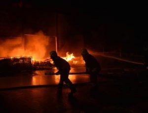 Antalya OSB'de plastik fabrikasında yangın (2)