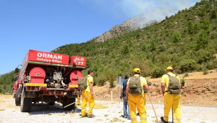 Antalya'da 25 hektarlık ormanın yandığı bölgede soğutma çalışmaları devam ediyor