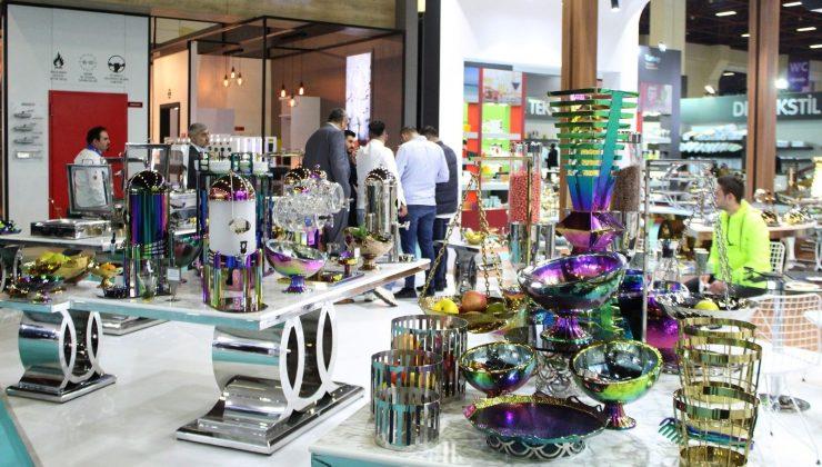 Antalya'da artan turist sayısı fuar sektörüne de umut oldu