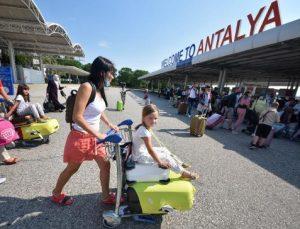 Antalya'ya gelen turist sayısı 3 milyonu geçti