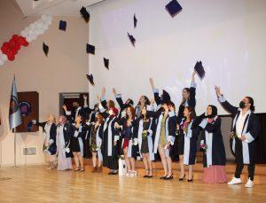 AÜ Sağlık Bilimleri Fakültesi mezuniyet töreni gerçekleşti