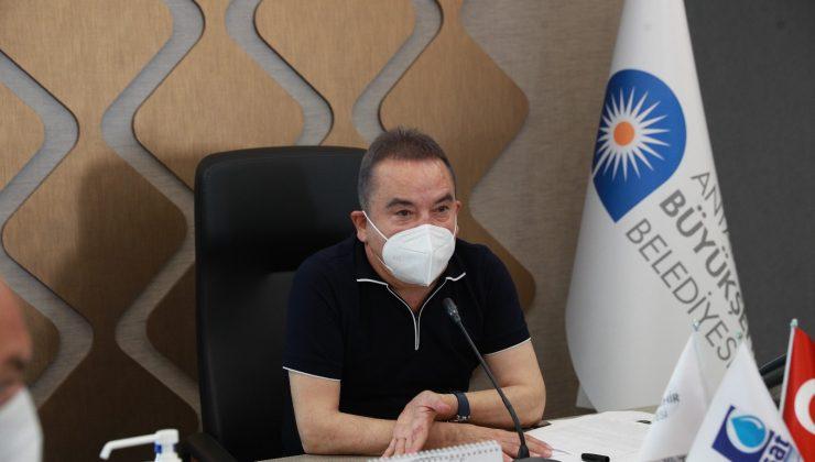 """Başkan Böcek"""" 'Antalya için azimle çalışmaya devam ediyoruz'"""