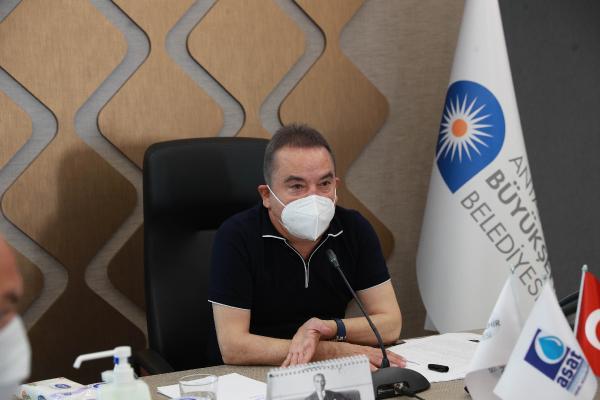 Başkan Böcek: 'Antalya için azimle çalışmaya devam ediyoruz'
